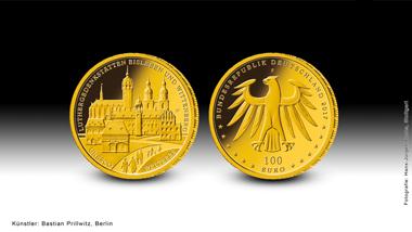 """Das ist die neue 100-Euro-Goldmünze """"UNESCO Welterbe – Luthergedenkstätten in Eisleben und Wittenberg"""". Quelle: BADV."""