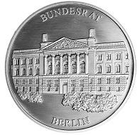"""""""Bundesratspräsident Michael Müller"""" / Silber .333 / 32,5 mm / Auflage: 1000."""