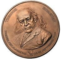 Medaille auf Theodor Mommsen anlässlich des Philologentages 26.-30. September 1899 in Bremen von Hans Bulling. Foto: Thomas Zachmann.