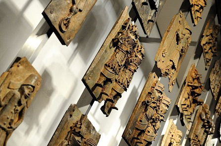 Several Benin Bronzes, on display in the British Museum, London. Photo: Rtype909 / Wikimedia Commons / CC BY-SA 3.0.
