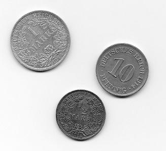 Deutsches Kaiserreich. 10 Pfennig 1914; 1/2 Mark 1914; 1 Mark 1915. Foto: Angela Graff.