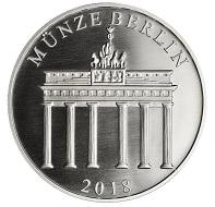 """""""70 Jahre Deutsche Mark"""" / Silber .333 / 32,5 mm / Design: Stefanie Lindner und Laura Nicklaus, Münze Berlin / Auflage: 2.500."""