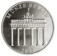 """""""Geschwister Scholl"""" / Silber .333 / 32,5 mm / Gestaltung: Kerstin Schubert, Münze Berlin."""