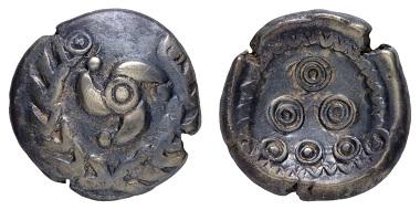 Los 31: Kelten. Nordgruppe. Elektron-Regenbogenschüsselchen ca. 50-25 v.Chr. Aus alter Neusser Sammlung. Prachtexemplar. Ausruf: 500 Euro. Zuschlag: 1.620 EUR.
