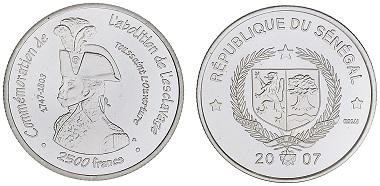 """Commemorative coin. Issued by Senegal. Inscription """"Commémoration de l'abolition de l'esclavage"""" with image of Toussaint L'Ouverture (1743-1803), 2007 © the Trustees of the British Museum."""