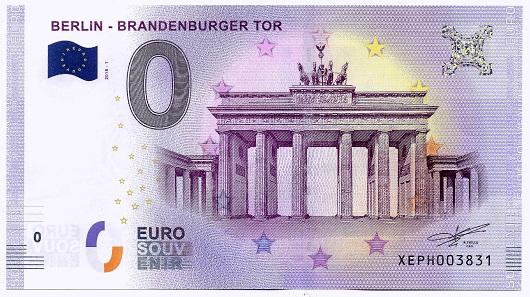 Ein neuer 0-Euro-Schein mit dem Motiv Brandenburger Tor. Foto: Angela Graff.