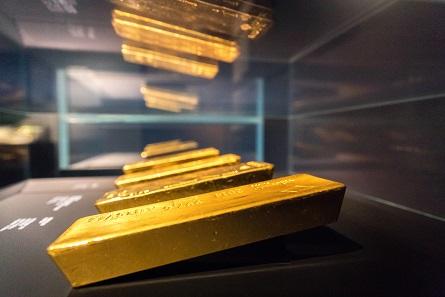 Goldbarren in der Sonderausstellung des Geldmuseums der Deutschen Bundesbank. Foto: Nils Thies.