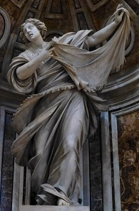 "The statue depicted on the reverse is Francesco Mochi's ""Santa Veronica"" which can be found today in the Basilica of Saint Peter's in the Vatican. Photo: Christoph Wagener / CC BY-SA 3.0"