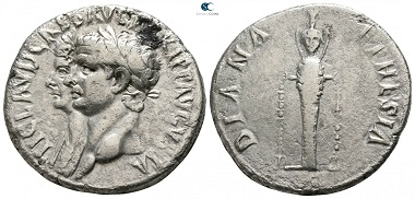 Lot 295: Ionia. Ephesos. Claudius, with Agrippina Minor. Cistophor, AD 41-54. Good very fine. Starting price: 100 Euro.