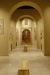 A glance into the Faras Gallery with Nubian and Early Christian art. Photo: UK.