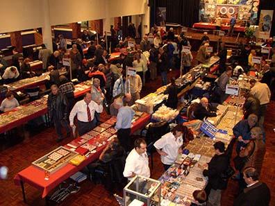 Ein Blick auf die Haller Münzbörse: Alle zwei Jahre ein Pflichttermin für Numismatiker - Bild: TNG.