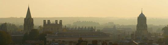 Über den Dächern von Oxford. Foto von David Iliff. Lizenz: CC-BY-SA 3.0.