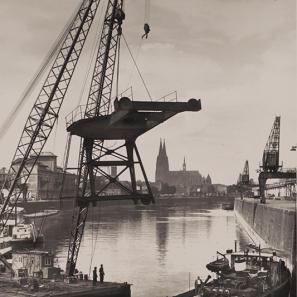 Der Kölner Hafen in einer historischen Ansicht. © Stadt Köln, Historisches Archiv.