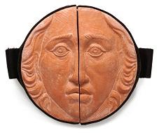 A medal by Francesca Muscianesi.