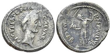 Lot 482: Iulius Caesar and P. Sepullius Macer. Denarius 44. Rare. About Very Fine/Very Fine. Starting bid: 250 GBP.