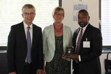 Münzleiter Dr. Peter Huber, Finanzministerin Edith Sitzmann MdL, Mlungisi Cele, General Manager South African Mint