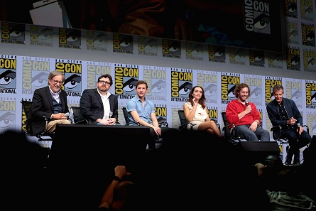 """Director Steven Spielberg and Author Ernest Cline with the cast of """"Ready Player One"""" at San Diego Comic-Con. Photo: G. Skidmore / CC BY-SA 2.0"""