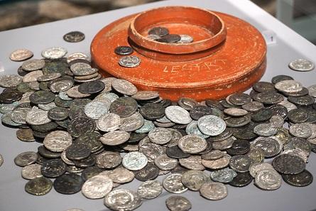 Für den Handel am Niederrhein genutzte Münzen. Foto: Olaf Ostermann.