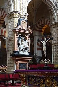 Im Zeichen des Kreuzes tötet Santiago die Mauren. Wie war das doch gleich mit der christlichen Nächstenliebe? Foto: KW.
