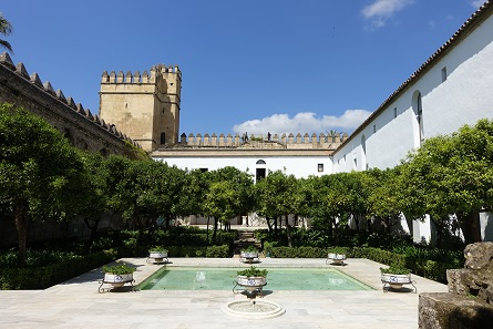 A look into the courtyard of the Alcázar. Photo: KW.
