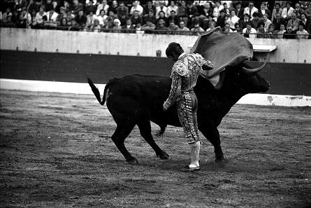 El Cordobes am 8. Mai 1966. Foto: André Cros / cc by-sa 4.0. Archiv municipales de Toulouse 53Fi453.