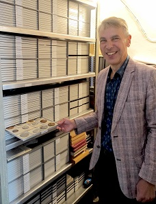 You will soon read an article about the numismatic treasures Tallinn has to offer. Ivar Leimus gave us a small glimpse of the collection. Photo: UK.