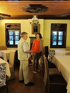 Katerini Liampi zeigt uns ein wunderschönes Restaurant hoch über Ioannina im epirotischen Stil. Foto: UK.