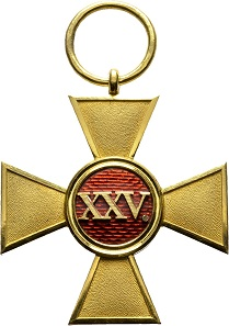 No. 1281: Principality of Lippe: Golden Longs Service Cross for Officers, special edition in gold (probably unique), gold and enamels, without ribbon. Estimated: 1,000 euros.