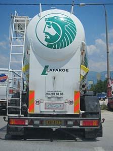 Rückfront eines Transportwagens für Beton. Foto: KW.