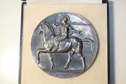 Große Silbermedaille, 1914, Deutsches Kaiserreich - Dresden, Erinnerung 150-Jahrfeier Dresdener Kunstakademie, 1.499,-.