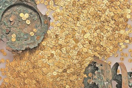 Der größte erhaltene römische Goldmünzenschatz der Welt. Foto: GDKE – Rheinisches Landesmuseum Trier, Th. Zühmer.