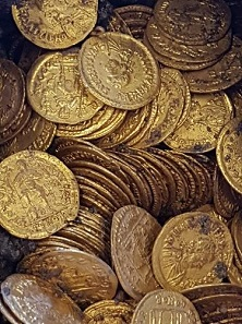 Along with coins of the Western Roman emperor Valentinian III and his later Eastern Roman colleague Leo I, the hoard also contains some particularly rare pieces: solidi of Libius Severus who only ruled in Rome for four years. Image: Ufficio Stampa Ministero Beni Culturali.