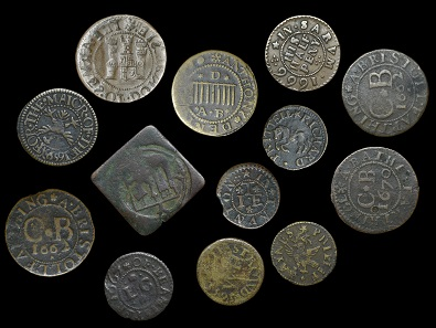 Lot 3251. DEVON, Great Torrington, Anthony Denis, Halfpenny, 2.16g/3h (N 813; BW. 343); DORSET, Beaminster, Lancelot Cox, Farthing, 1667, 0.98g/6h (N 845; BW. 5), Dorchester, Borough Farthing, 1669, obv. brockage, 2.20g (N 887-9; BW. 53-6), Shaftesbury, Richard Prittell, Farthing, 1.19g/6h (N 961; BW. 151); GLOUCESTERSHIRE, Bristol, City Farthing [1577+], 2.29g/6h (N 1445; BW. 22), Stroud, William Hopton, Farthing, 1655, 1.28g/9h (N 1716; BW. 161); SOMERSET, Bath, City Farthing, 1670, 3.33g/12h (N 3951; BW. 6), Taunton, John Tubb, Farthing, 1666, 1.14g/3h (N 4147; BW. 289), Yeovil, Phillip Haynes, Farthing, 1655, 0.79g/12h (N 4185; BW. 336); WILTSHIRE, Salisbury, City Farthing, 1659, 1.37g/6h (N 5535; BW. 164), Simon Rolfe, Halfpenny, 1666, 2.42g/6h (N 5574; BW. 222); together with Bristol Farthings, 1662 (2) [13]. From the Collection of Iain Thomson. Except N 1445 those described described generally fine or better, last two in varied state GBP 200-260.