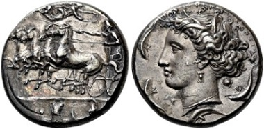 No. 198: Syracuse (Sicily). Dionysius I, 406 – 367 B.C. Decadrachm in the style of Euainetos. Specimen with a great collection history and often published! Sharply struck, beautiful toning, extremely fine. Estimate: 30,000 euros.
