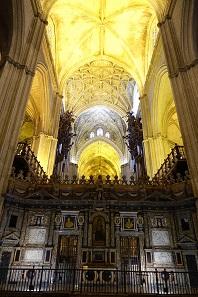A look into the Santa Maria de la Sede. Photo: KW.