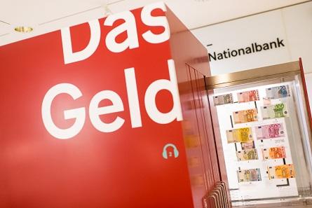 Auszüge mit österreichischen Banknoten. Foto: OeNB © Michael Gruber.