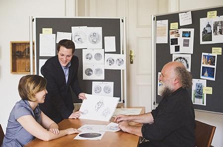 Am Anfang stand die Entwurfsbesprechung. © Münze Österreich / Eugénie Sophie Berger.