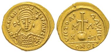 Nr. 402: Merowinger. Solidus, Marseille. Im Namen des Mauritius Tiberius. Aus Auktion Münzen und Medaillen AG 81 (1995), Nr. 956. Sehr selten. Gutes sehr schön. Taxe: 7.000 Euro.