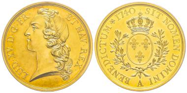 Nr. 766: Frankreich. Ludwig XV., 1715-1774. Probe zum Écu au bandeau in Gold. Paris, 1740. Äußerst selten. 4 Exemplare gegradet. PCGS SP62. Taxe: 80.000,- Euro.