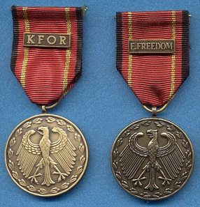Campaign medals awarded for the service during the KFOR and Operation Enduring Freedom campaigns. Photo: Airbornelawyer / CC BY-SA 3.0.
