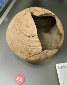 Spardose Keramik aus Hall 1300. Foto: OeNB WEST.