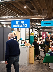 Finally, the sign I was looking for: Settore Numismatica! Photo: BS.