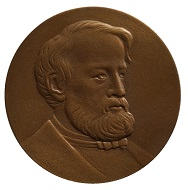 Medaille auf Julius Friedländer von Marianne Dietz, 2018, Vorderseite. Foto: Staatliche Museen zu Berlin, Münzkabinett / Bernhard Weisser.