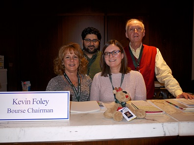 Kevin Foley and his organization team continues to do an amazing job and has ensured general satisfaction for years – and that's saying something if you consider the logistical challenges of this event! From left to right: Rhonda Burger, Omar Mallick, Patricia Foley, Kevin Foley. The mascot Rhonda Reindeer in the foreground. Photo: Björn Schöpe.