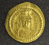 Maurice Tiberius, solidus, 583-601, gold, Constantinople. Photo: The Hunterian.
