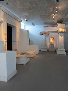 Archaischer Tempel auf römischen Fundamenten. Foto: KW.