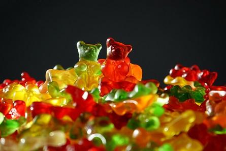 Fastfood, Süßigkeiten und Kino – dafür geben Kinder ihr Geld gerne aus.