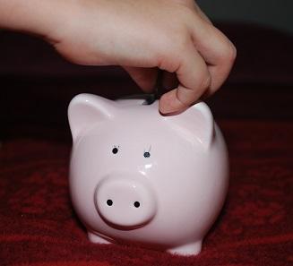 Zu einem vernünftigen Umgang mit Geld gehört nicht nur bewusstes Konsumieren, sondern auch vorausschauendes Sparen.