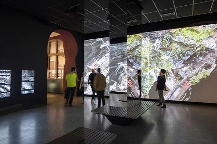 A view of the exhibition. Photo: Jan Bitter / Holzer Kobler Architekturen.