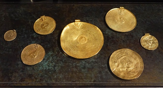 """Scandinavian bracteates"" – Jewelry derived from Roman medallions. Photo: KW."